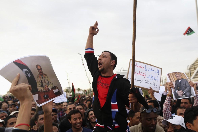 Bengasi in piazza contro le milizie