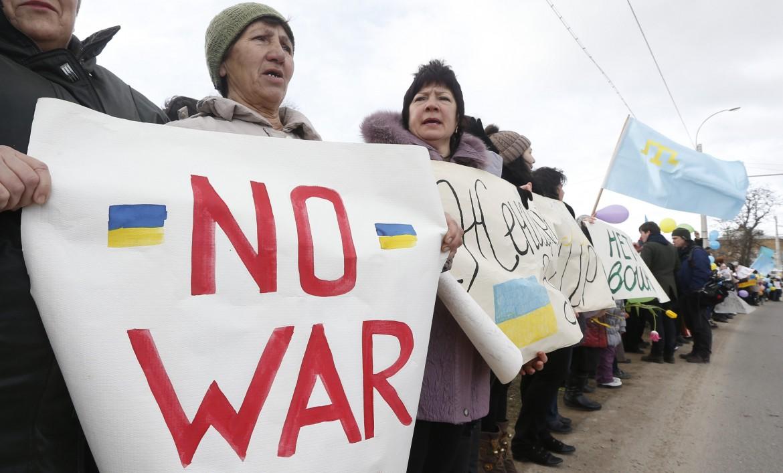 Manifestazione contro la guerra in Crimea