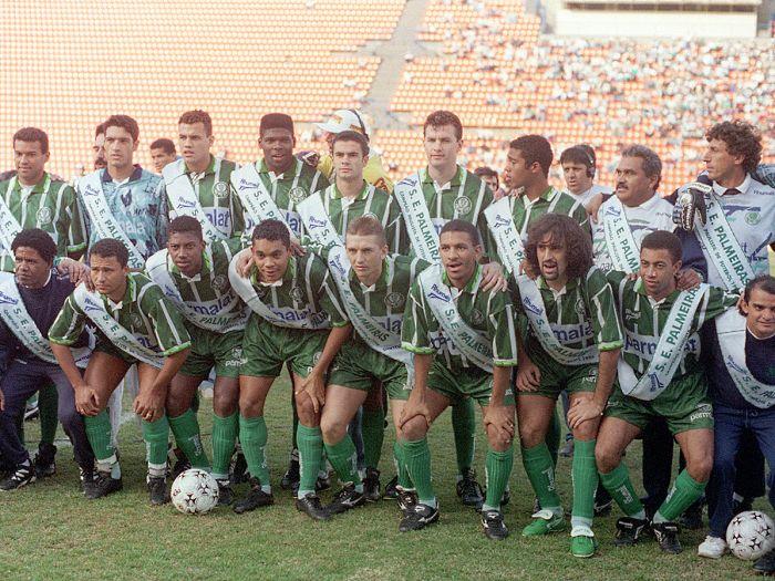 Il Palmeiras del 1995, Marco Osio è il terzo accosciato da destra