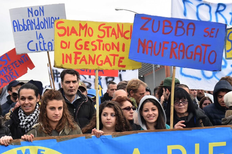 La manifestazione di ieri a Carrara
