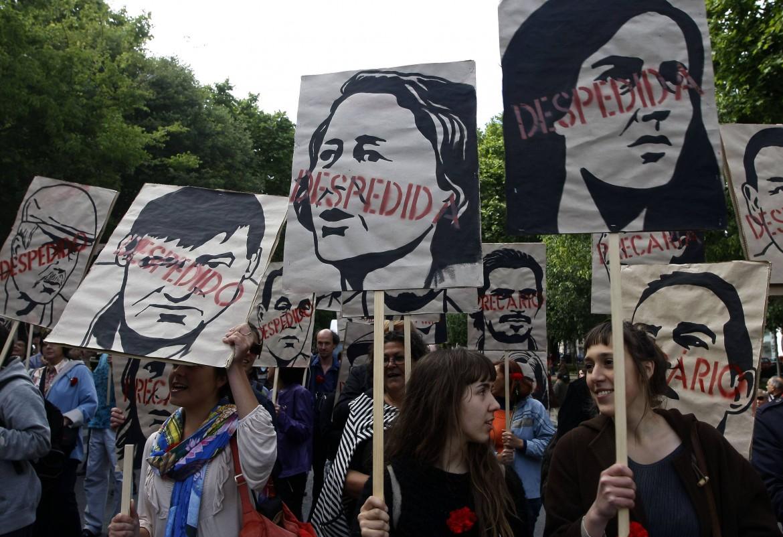 Lisbona, celebrazioni del 35esimo anniversario della Rivoluzione dei Garofani