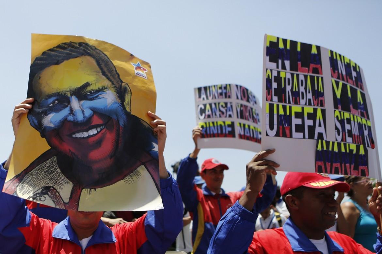 Caracas, manifestazione anti Usa