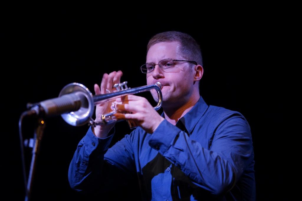 il trombettista americano Peter Evans