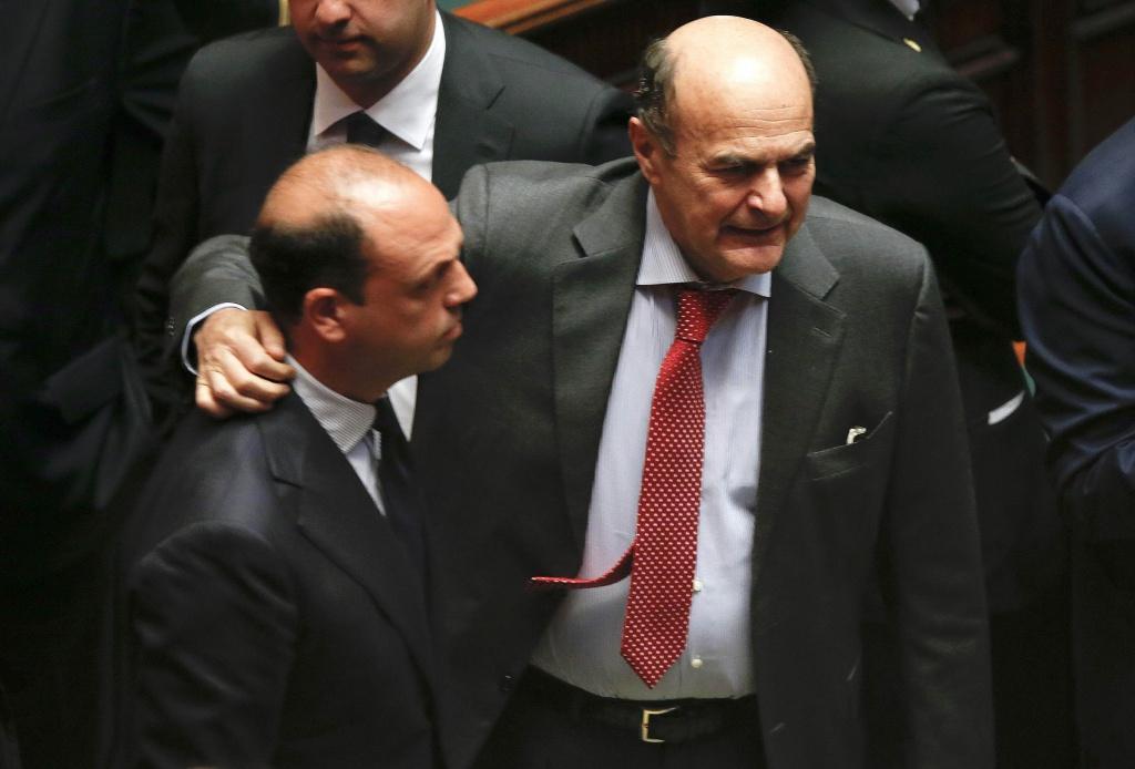 Angelino Alfano e Pier Luigi Bersani durante le votazioni su Franco Marini alla Camera