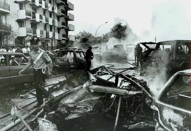 foto d'archivio della strage di via D'Amelio a Palermo, 25 anni fa
