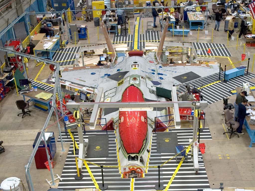 Un F-35 in catena di montaggio