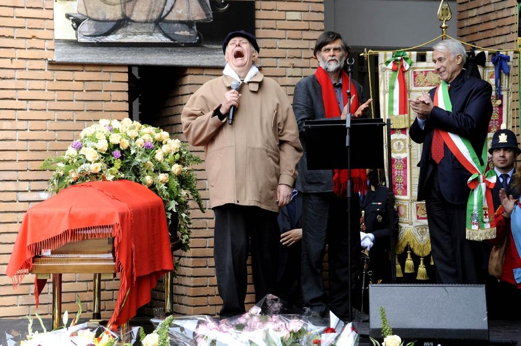 Dario e Jacopo Fo. Funerali di Franca Rame