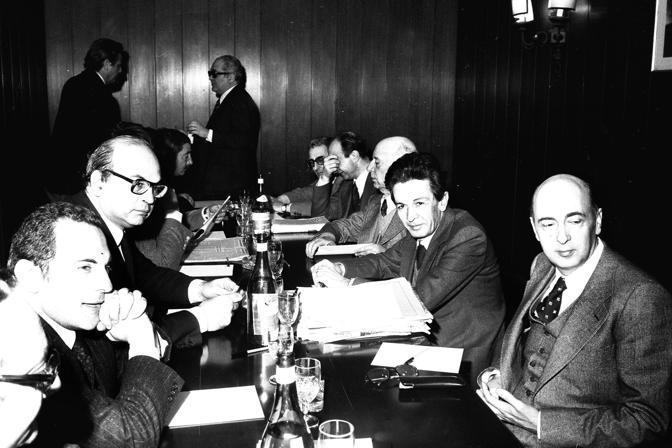 Vertice Craxi-Berlinguer nel 1977 (al tavolo anche Manca, Pajetta e Napolitano)