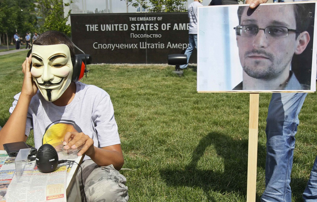 Una protesta per Snowden in Ucraina