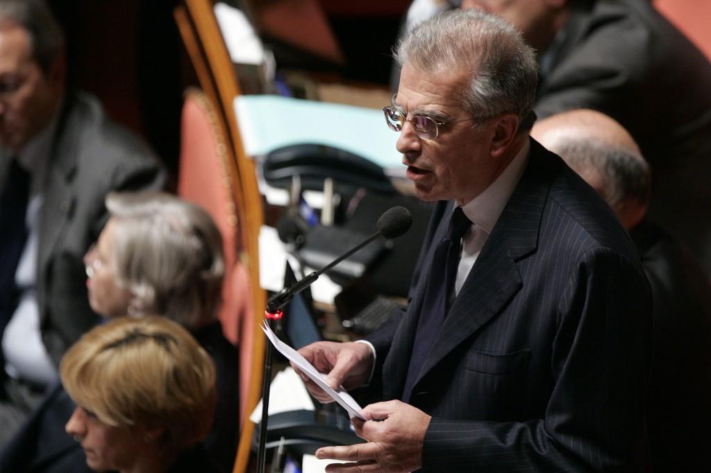 Il capogruppo del Pd in senato Luigi Zanda