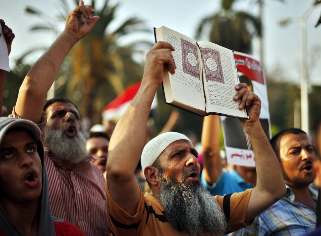 Manifestazione islamista pro-Morsi