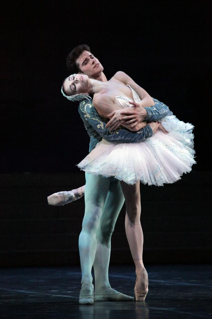 Natalia Osipova - Claudio Coviello. Foto Brescia e Amisano, gentile concessione Teatro alla Scala