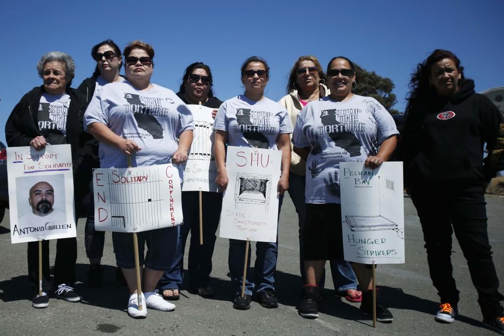 Protesta fuori dal carcere di San Quintino, California