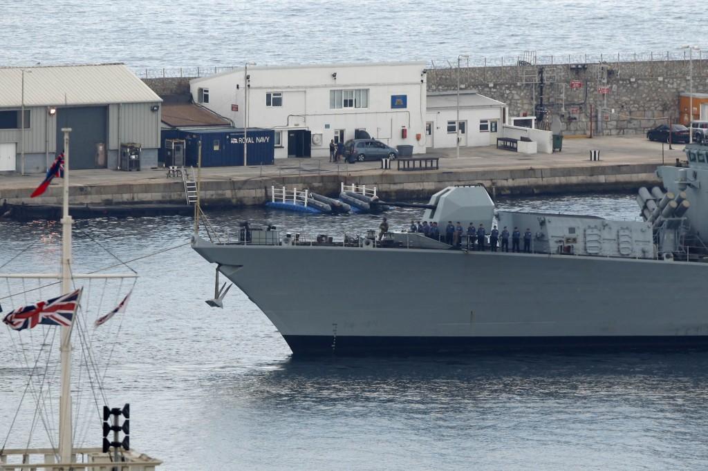 La fregata inglese Westminster arriva nel porto di Gibilterra