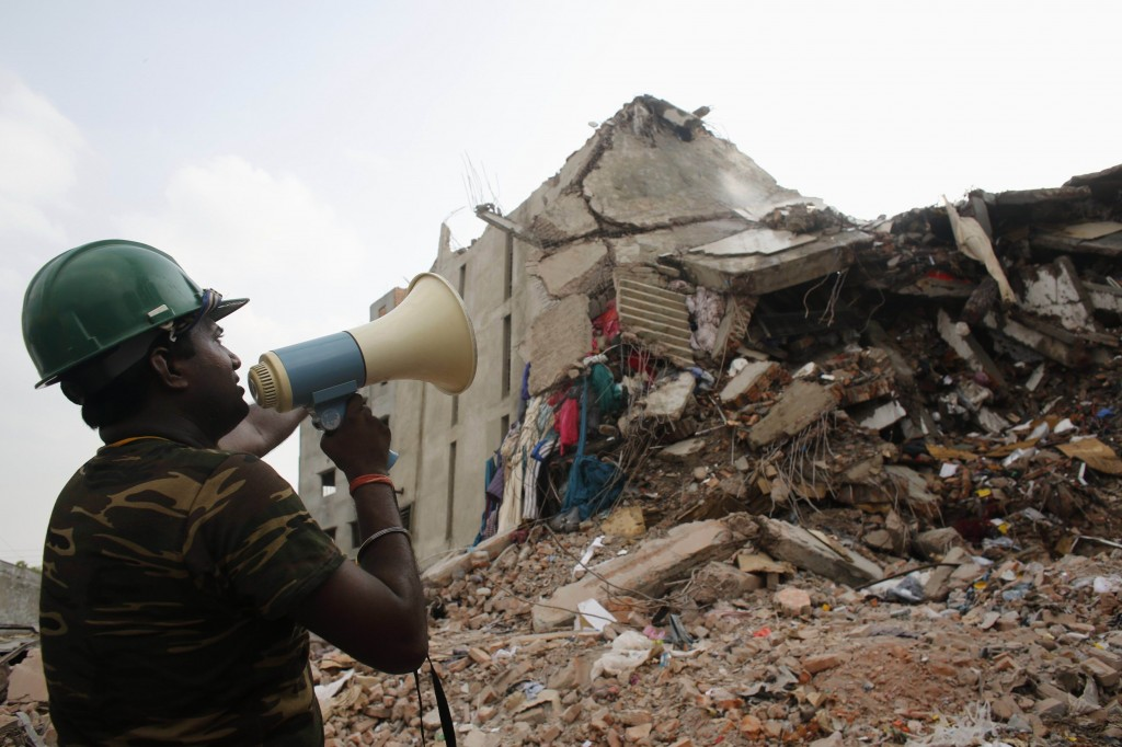 Il crollo del Rana Plaza vicino Dacca