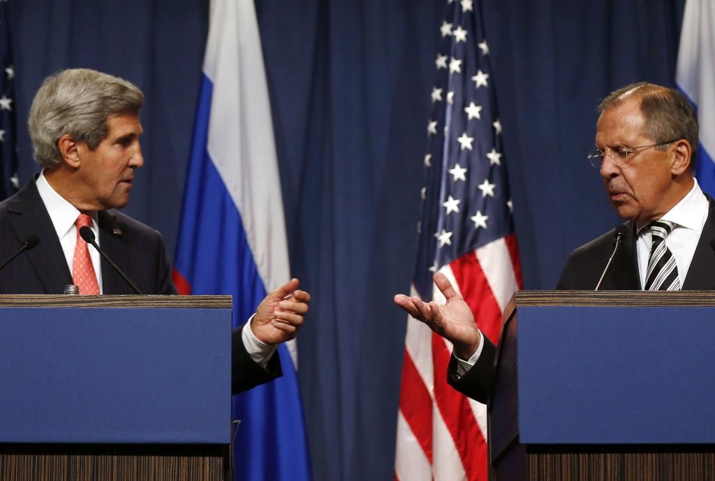 Il segretario di Stato americano John Kerry e il ministro degli Esteri russo, Sergei Lavrov