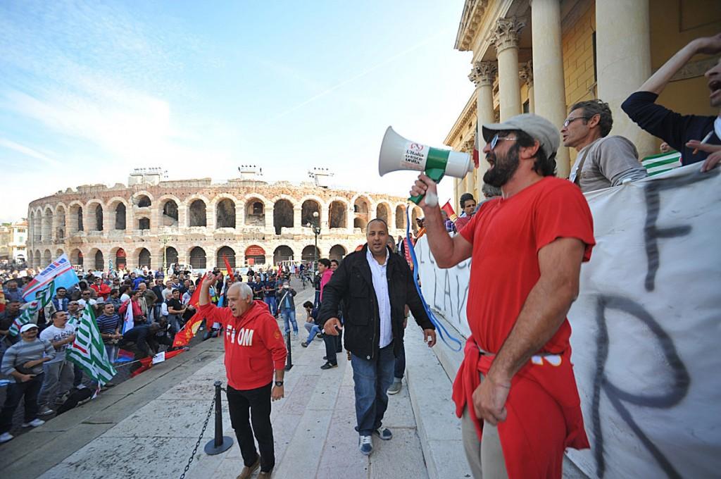Verona, manifestazione degli operai della Riva acciaio