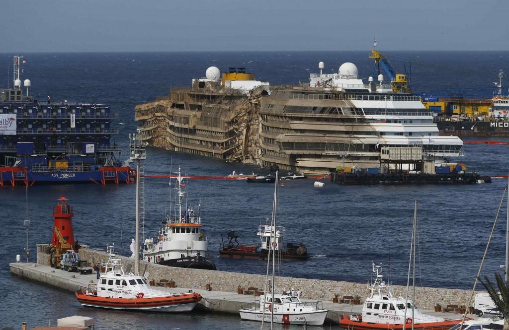 La Costa Concordia raddrizzata
