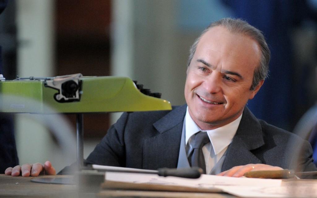Luca Zingaretti interpreta Adriano Olivetti nella fiction di Raiuno