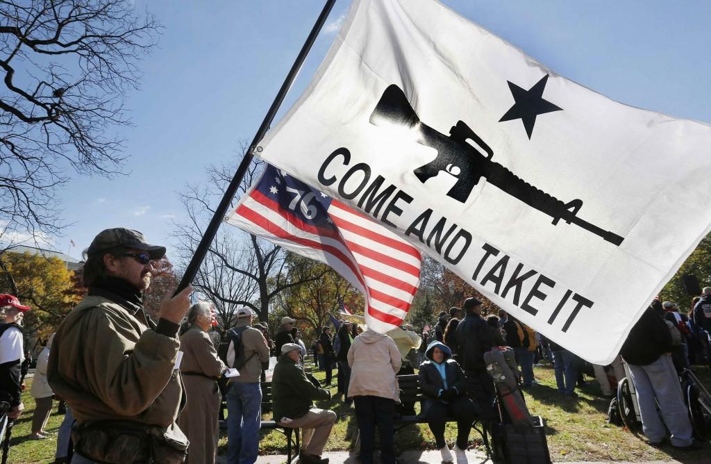 Manifestazione pro-gun di fronte alla Casa Bianca