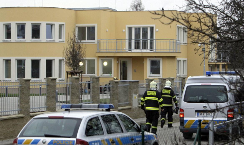 Praga, artificieri davanti alla residenza di  Jamal Al-Jamal