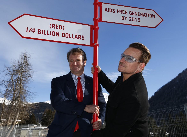 Il cantante degli U2 Bono con  Brian Moynihan (Bank of America) a Davos
