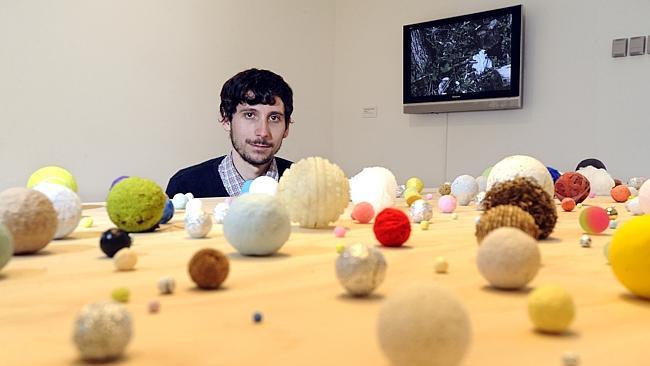 foto di Charles Sofo, uno degli artisti che ha boicottato la Biennale di Sidney