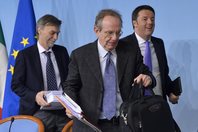 Del Rio, Padoan e Renzi a Palazzo Chigi