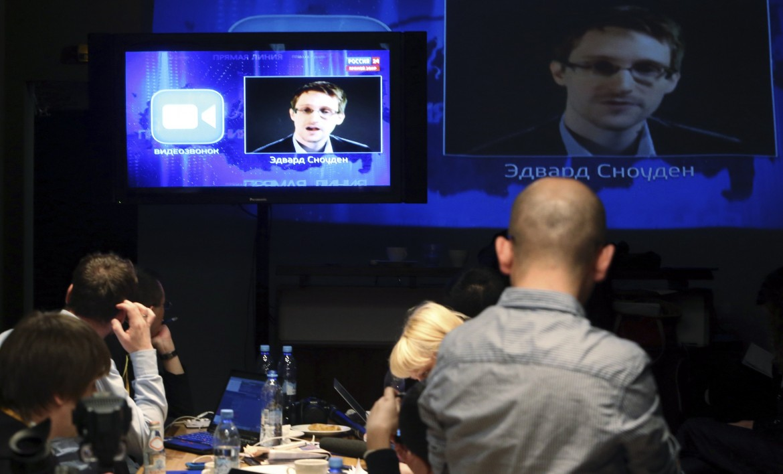 Edward Snowden in video alla conferenza stampa di Putin