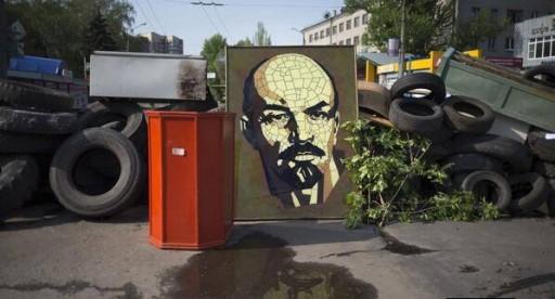 Le barricate di Slovyansk, dove la popolazione ha cercato di opporsi al transito dei neonazisti
