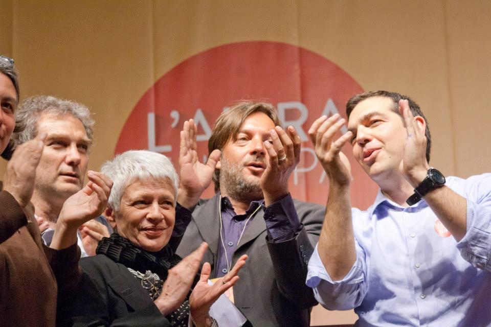 Alexis Tsipras, il leader della greca Syriza, con Fabio Amato, del Prc, coordinatore della campagna della sinistra europea e Barbara Spinelli