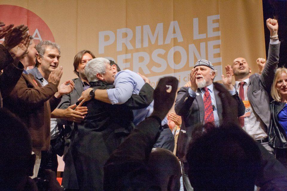 Alexis Tsipras e Barbara Spinelli al comizio di Bologna