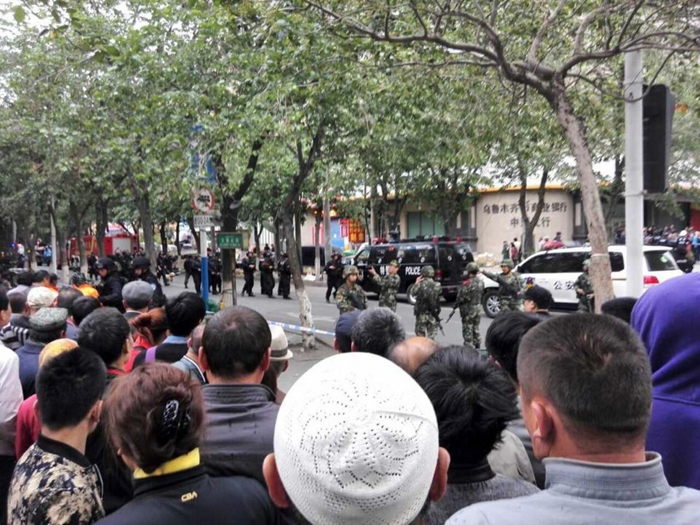 Il luogo dell'esplosione a Urumqi