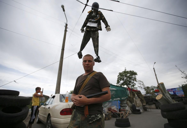 Checkpoint dei filorussi a Sloviansk