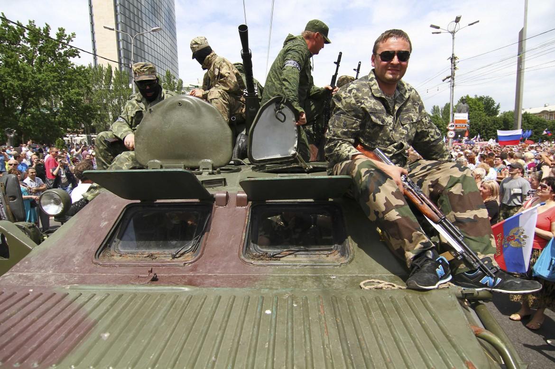 Filorussi per le strade di Donetsk, Ucraina orientale
