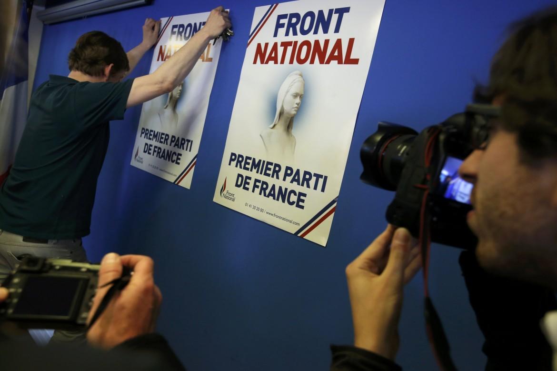 Poster del Fn che annunciano la vittoria alle europee