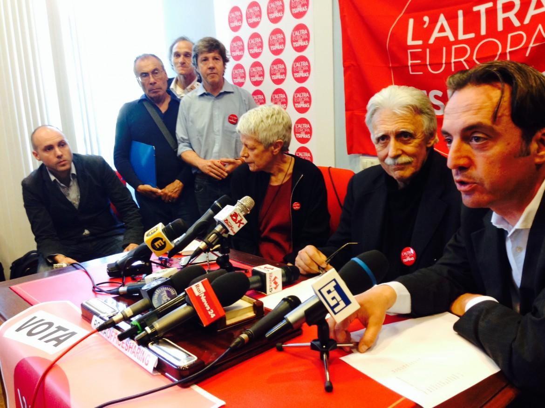 Barbara Spinelli, Marco Revelli e Massimo Torelli ieri a Roma, alla conferenza stampa della lista L'Altra Europa con Tsipras