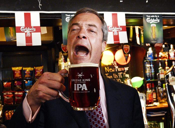Nigel Farage, leader di Ukip, festeggia a Southampton