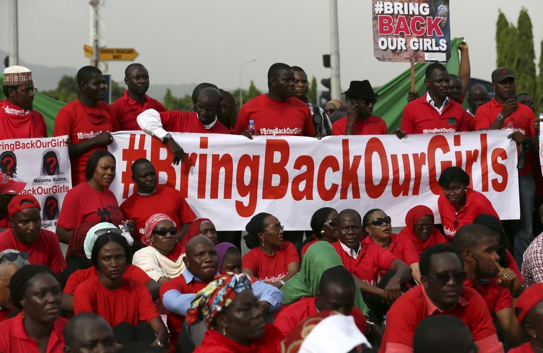 Manifestazione in favore della liberazione delle ragazze rapite