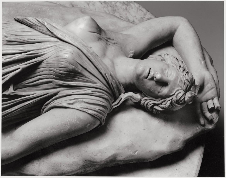 Statua di Amazzone morta, Napoli, Museo Archeologico