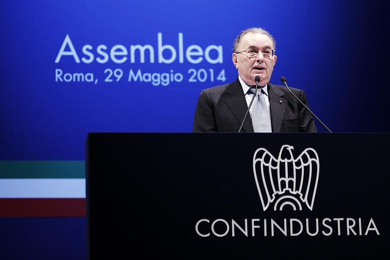 Il presidente della Confindustria, Giorgio Squinzi, ieri sul palco dell'Auditorium di Roma in occasione dell'Assemblea annuale