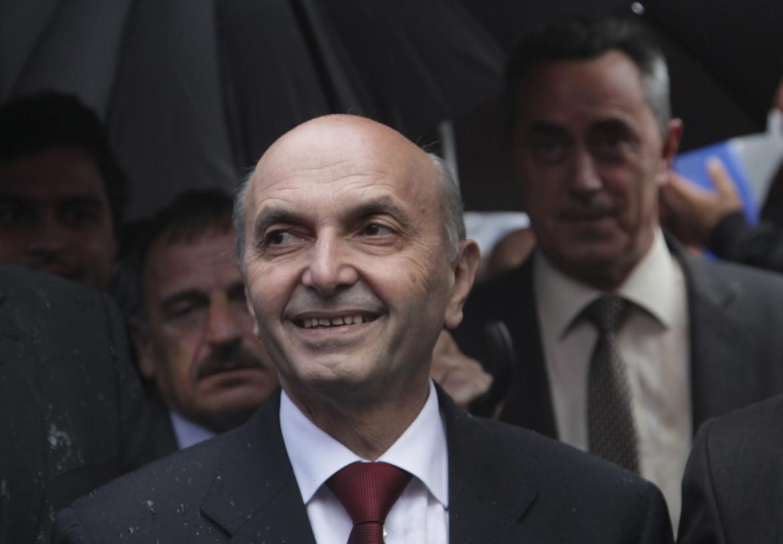 Il leader dell'opposizione, Mustafa