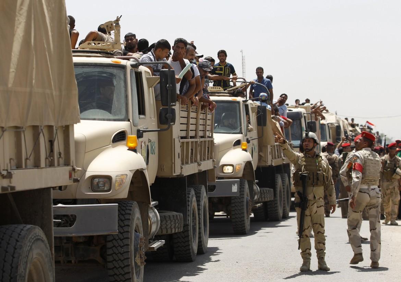 Forze armate dell'esercito iracheno mobilitati contro le milizie qaediste