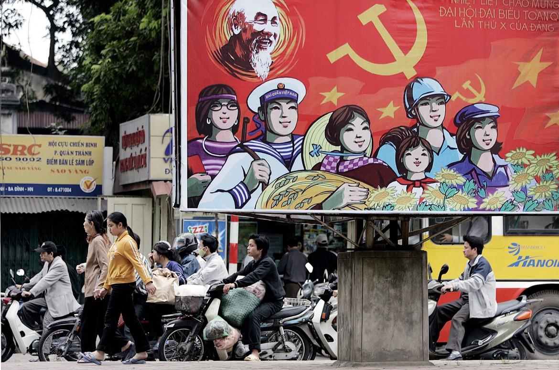 Traffico di motociclette a Hanoi