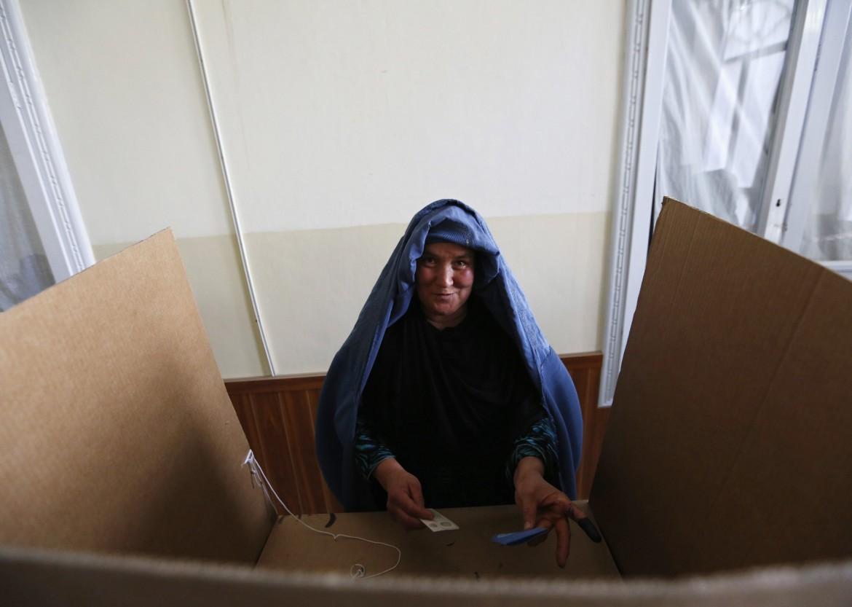 Un seggio elettorale a Kabul