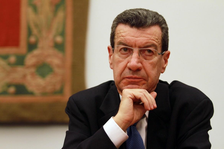 Vannino Chiti, senatore 'destituito' dalla commissione affari costituzionali del senato, di cui era membro sostituto
