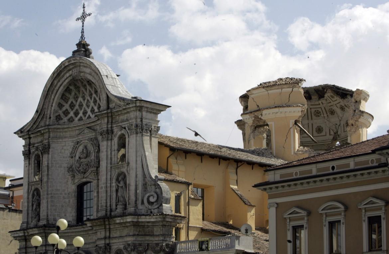 L'Aquila, Chiesa di Santa Maria del Suffragio (detta delle Anime sante), in piazza Duomo