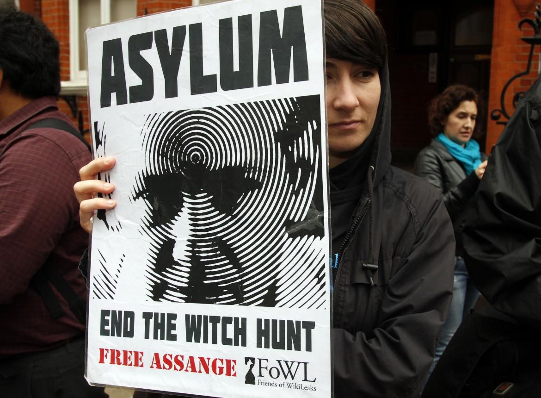 Manifestazione a Londra per Julian Assange