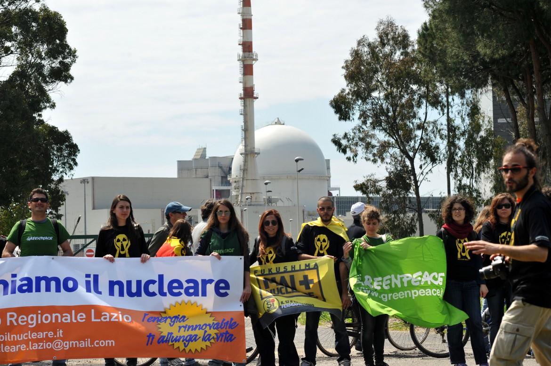 Catena umana anti nucleare a Borgo Sabotino