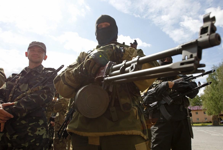 Miliziano ucraino a Kiev